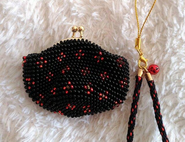 ビーズ編みがま口財布 小花柄 黒色の画像1枚目