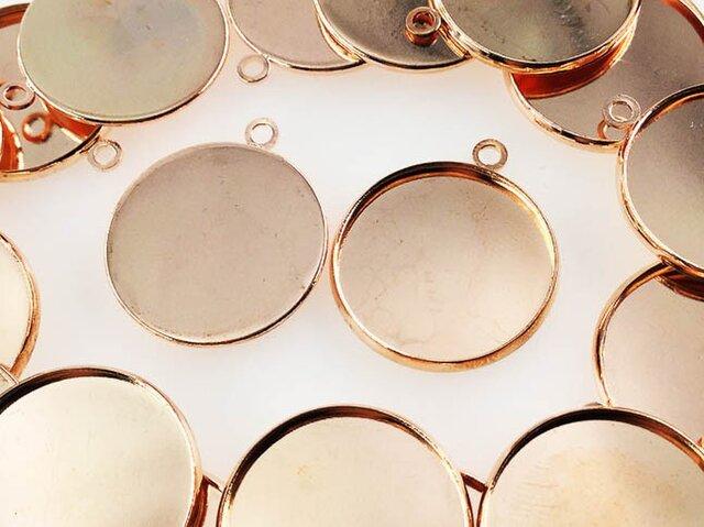 送料無料 ミール皿 丸 20枚 ピンク ゴールド 外径約22mm内径約20mm レジン カメオ レジン AP0450の画像1枚目