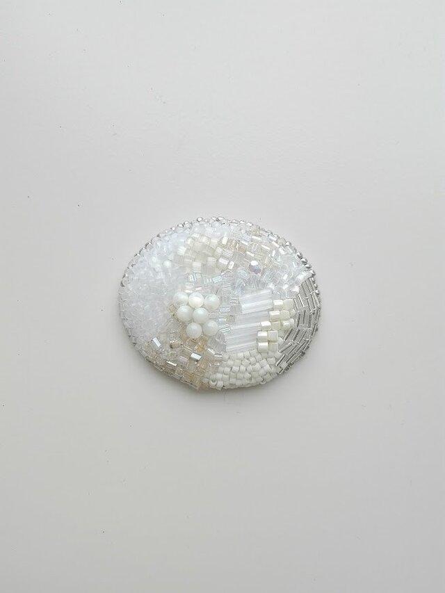 刺繍ブローチ maru 白 2の画像1枚目