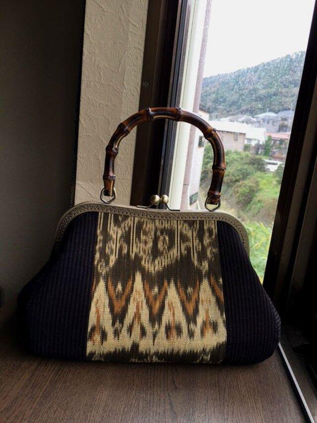 イカットと古布縞のはぎ 竹の手がま口手提げB  Lサイズの画像1枚目