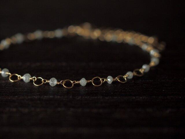 ホワイトグレーダイヤモンドのブレスレットの画像1枚目