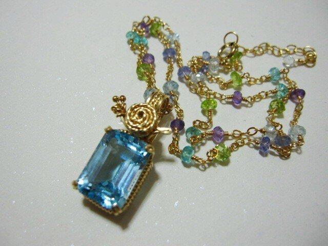 かたつむり&紫陽花カラーネックレスの画像1枚目