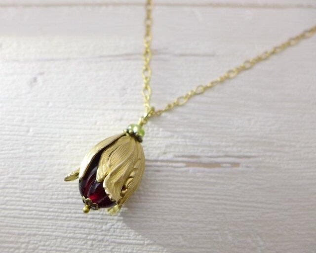 実・つぼみのネックレス 真紅 赤:真鍮 ガラス ビンテージ ヴィンテージの画像1枚目
