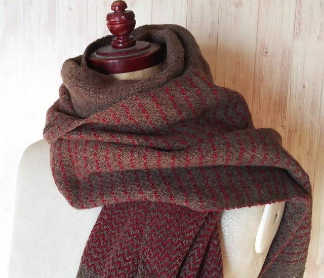 体にそっと馴染んでくれるカシミヤストール 手織り 茶×赤 912の画像1枚目