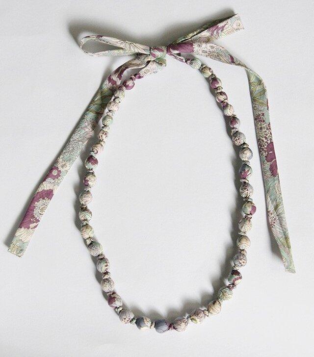 【sale】ラッピングネックレス 花柄 パープル ロングタイプの画像1枚目