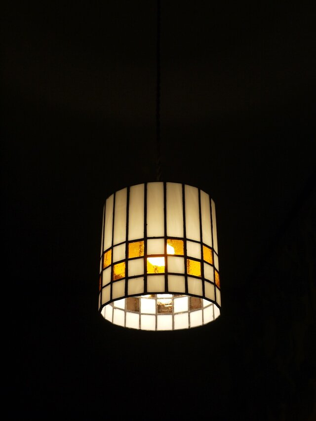 ステンドグラス照明(ペンダントタイプ)の画像1枚目