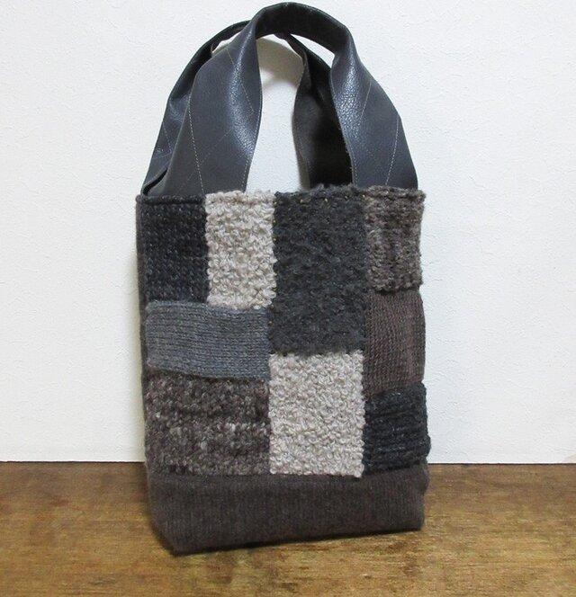 新作☆ユニークな持ち手の毛糸パッチワークかばんの画像1枚目