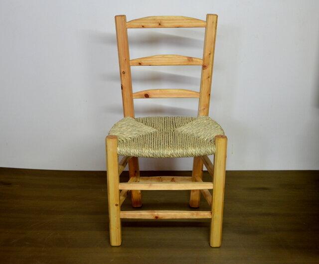 ゴッホの椅子と呼ばれるスペインの民藝椅子の画像1枚目