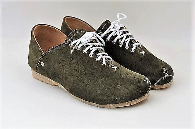 #Tokuyama Shoes:『plie sneakers』olive-green suede leatherの画像1枚目