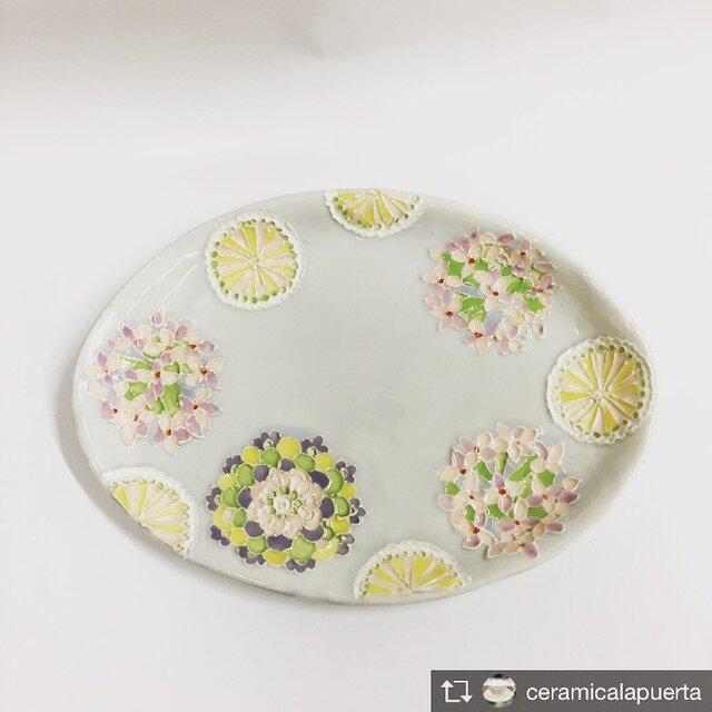 受注制作します。クリスマスに!花紋とモノグラムパステルカラー楕円皿の画像1枚目