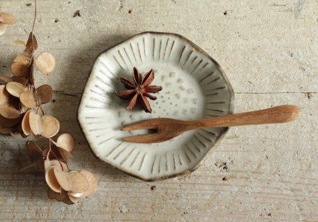 豆皿 たんぽぽ やさしい雰囲気の白マット系の画像1枚目