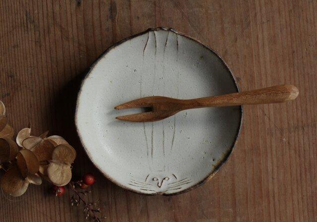 豆皿 うさぎ やさしい雰囲気の白マット系の画像1枚目