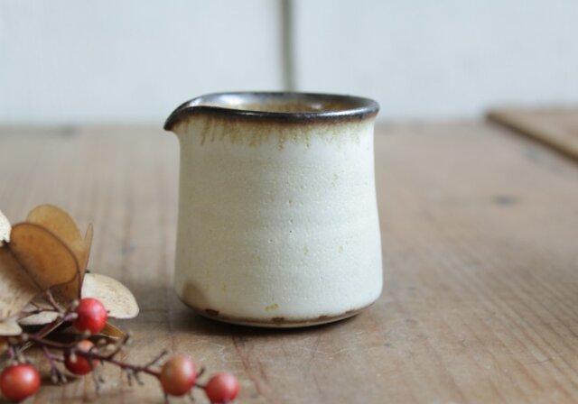 ミルクピッチャー やさしい雰囲気の白マット系の画像1枚目