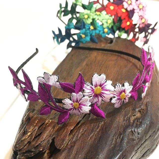 再販!花刺繍のカチューシャ(マゼンタ系)の画像1枚目