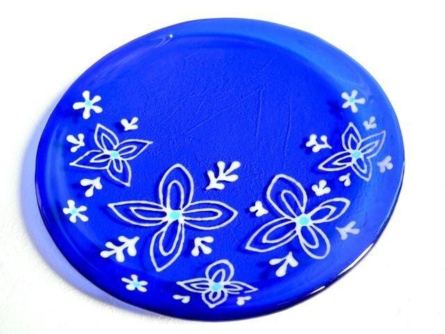 サイケな花のコバルトブルー皿の画像1枚目