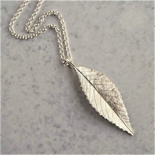 Elm leaf necklace {P078SV}の画像1枚目