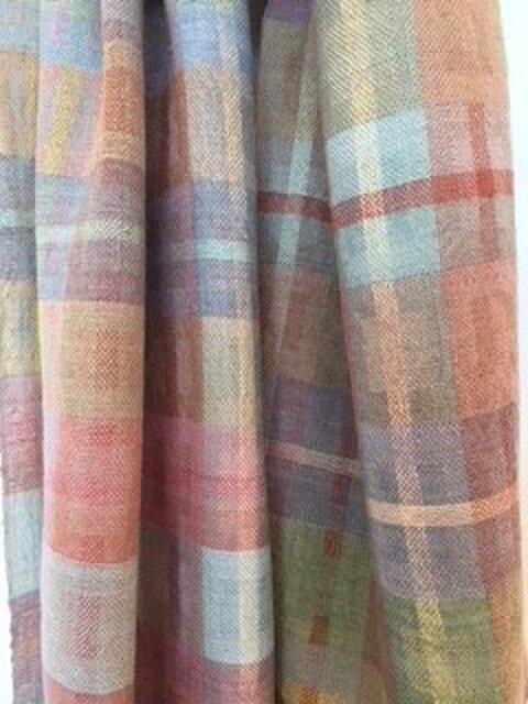 □手織り/植物染料/シルク・カシミア・ウール混ストールの画像1枚目