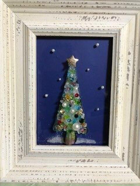 ガラスのクリスマスツリーです。の画像1枚目