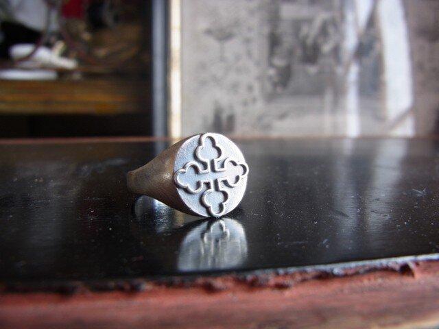 クローバークロスのリング SVの画像1枚目