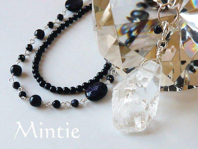 紫金石とクリスタル 氷の結晶ネックレスの画像1枚目