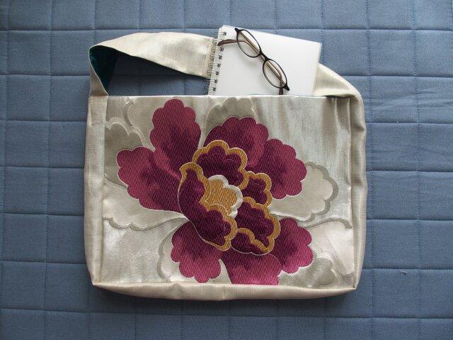 ワンハンドルバッグ 白銀に紫の大輪の花 の画像1枚目