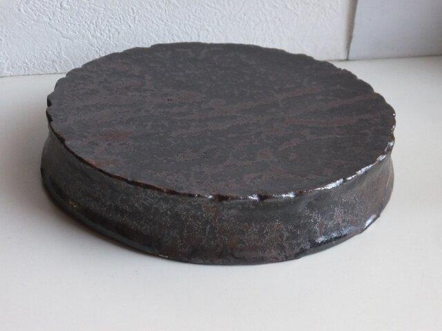 鉄釉台皿の画像1枚目
