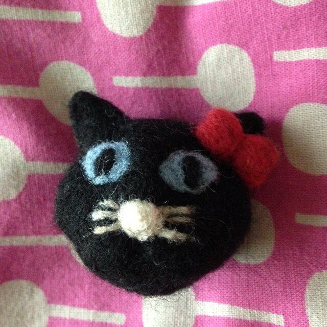 【受注生産】羊毛フェルト製 黒猫さんの立体マグネットの画像1枚目