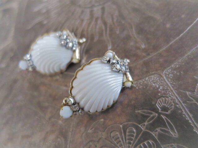 ホワイトシェルイヤリング vintage earrings white shell <ER-shwht2>の画像1枚目