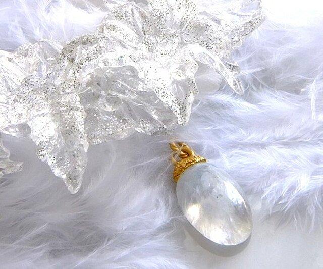 レインボームーンストーン ネックレス 大天使ハニエルの光りの画像1枚目