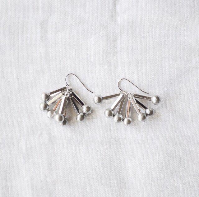 tsuntsun earrings /silverの画像1枚目