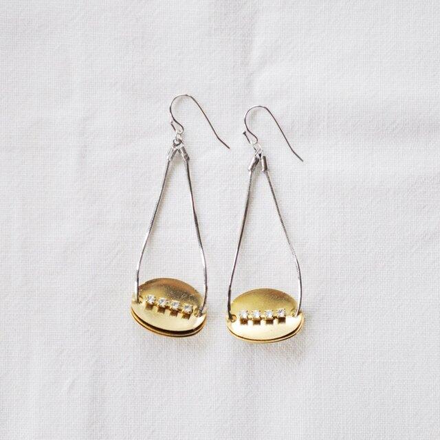 night boat earrings longの画像1枚目