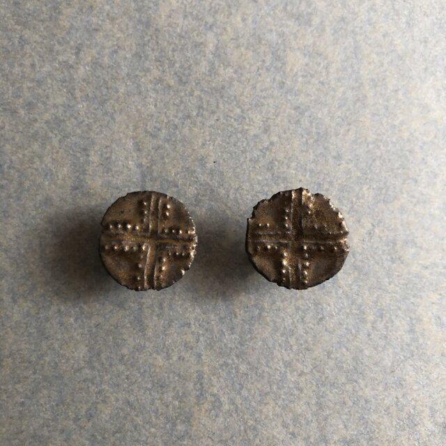 再販 陶イヤリング十字紋様の画像1枚目
