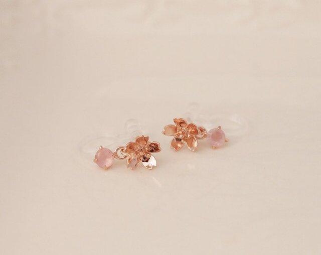 ノンホール桜さくらのピアス【ローズクオーツ】SV925製ピンクの画像1枚目