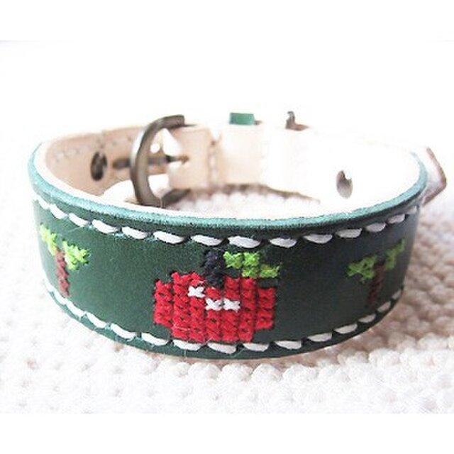 革製クロスステッチ首輪(緑×りんご)25.5cm~30cmの画像1枚目