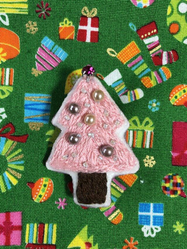 クリスマスツリーの刺繍ブローチの画像1枚目