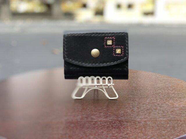 三つ折り財布 亀甲柄 黒色の画像1枚目