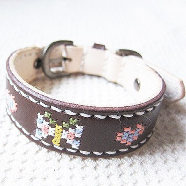革製クロスステッチ首輪(茶×チョウ)20.5cm~25cmの画像1枚目