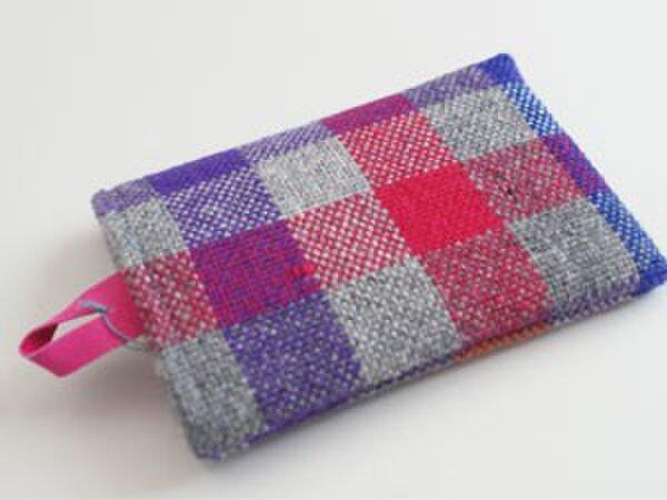 ウール手織り スマホケースの画像1枚目