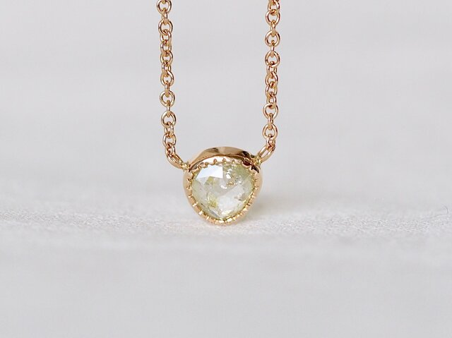 Free Form Light Yellow Diamond Necklaceの画像1枚目