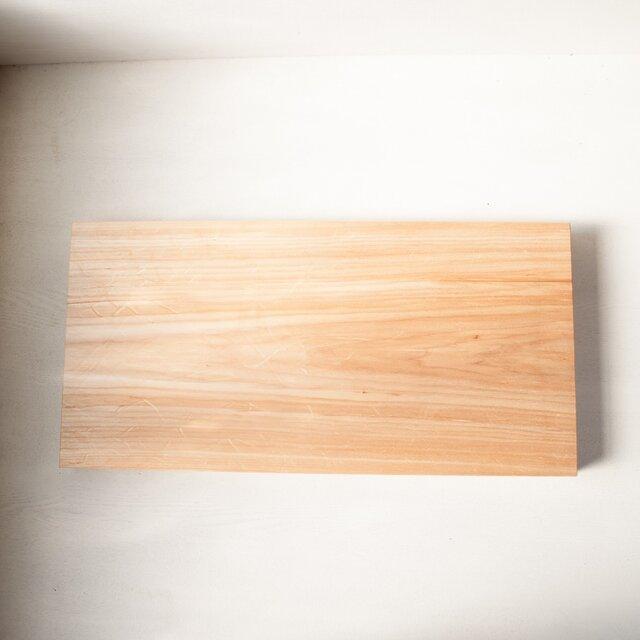 バッコヤナギのまな板 No37 (330×675 h45)の画像1枚目