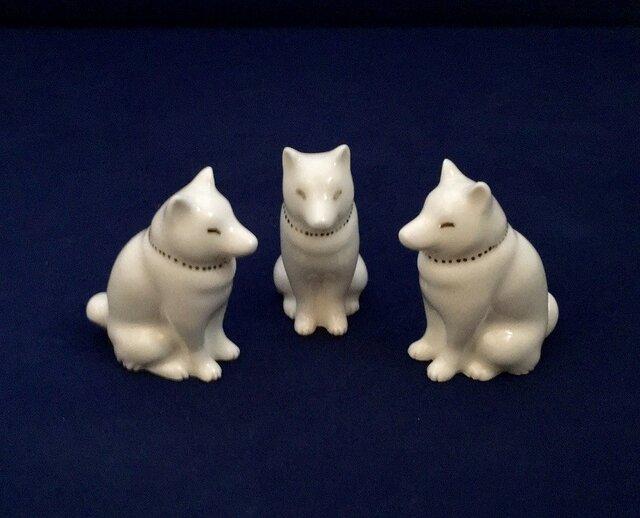 白磁金彩陶器置物いぬ(和犬)の画像1枚目