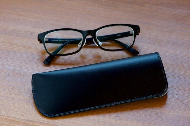 スリムなメガネケース ブラックの画像1枚目