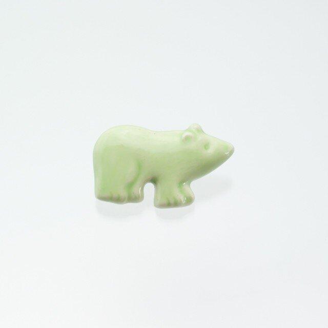 陶器ブローチ クマ(ライトグリーン)の画像1枚目