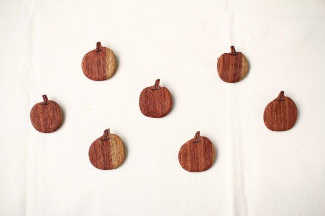 りんごブローチの画像1枚目
