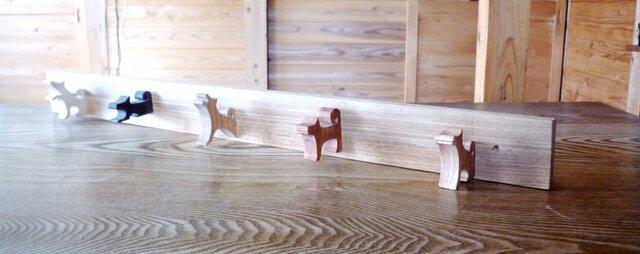 5匹の犬のハンガーフック ~5姿態5樹種~の画像1枚目