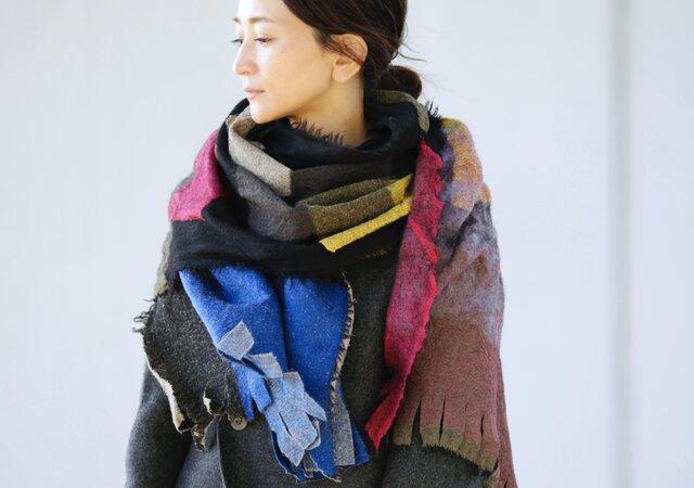 <<1位獲得/雑誌掲載>>大判ウール ストールブラック【AKARI】ruinuno(ルイヌノ)フェルト  ショールの画像1枚目
