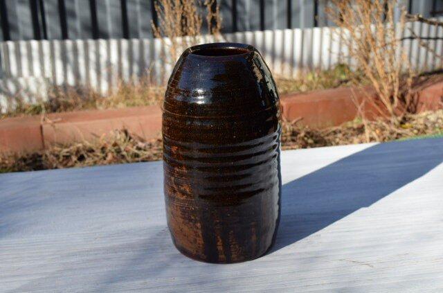 黒飴釉鉄彩花器の画像1枚目