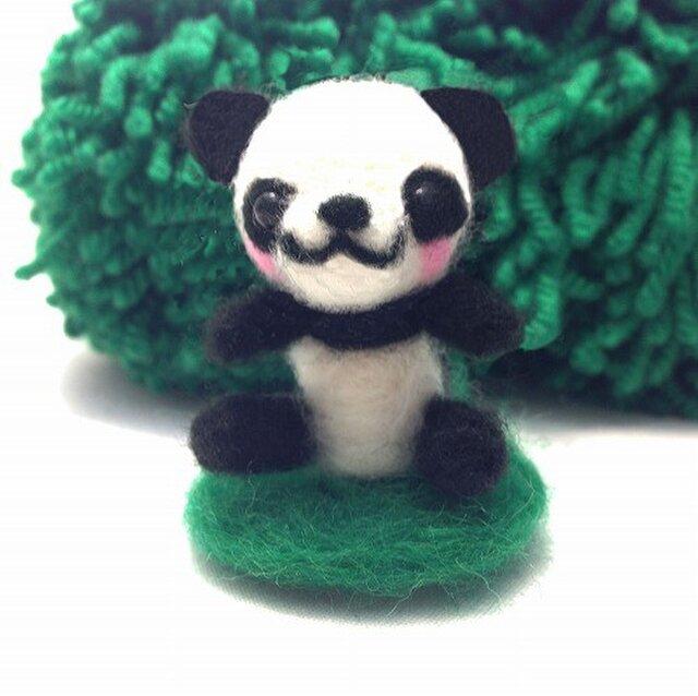 羊毛フェルトのかわいいパンダ☆置物の画像1枚目