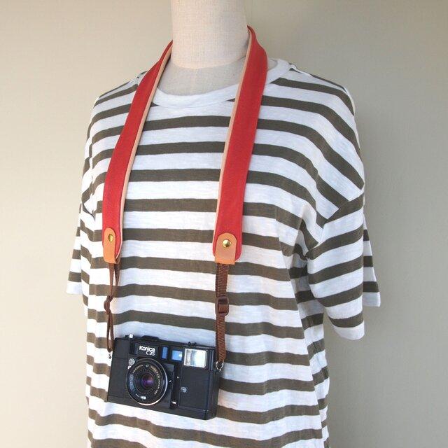 ぶた革*カメラストラップ【赤】全8色*やわらかい使い心地*コンパクト一眼におすすめの画像1枚目