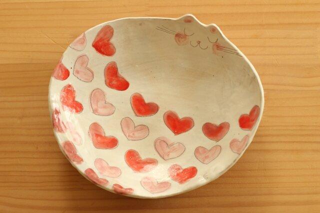 粉引き赤とピンクのハート柄のねこ形皿。の画像1枚目